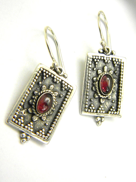 Garnet earrings parallelogram in sterling silver