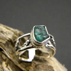 Raw apatite silver ring