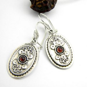 Retro garnet earrings