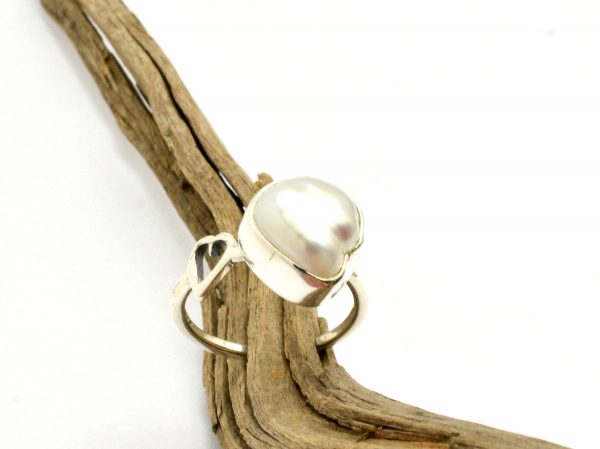 Pearl ring in sterling silver