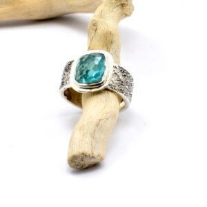 Blue apatite stone band ring