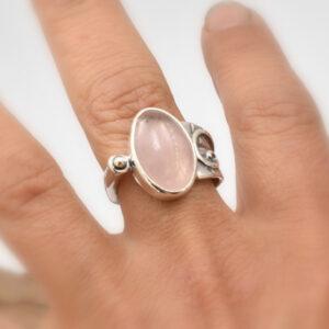 rose quartz ring sterling silver oval pink gemstone